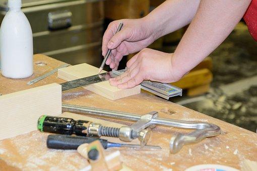 Snickare i Norrköping kan utföra både små och stora arbeten